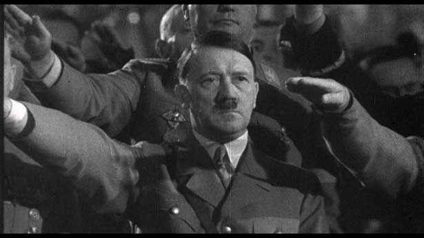 画家を志していたヒトラーは美術品をプロパガンダに利用していた(『ヒトラーVS.ピカソ 奪われた名画のゆくえ』)