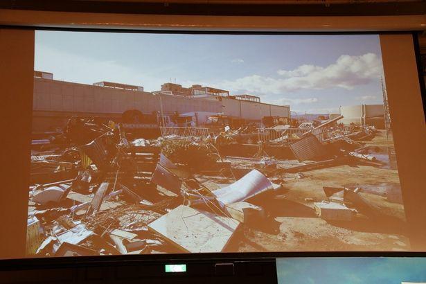 【写真を見る】津波の爪あとが衝撃的…被災地が再現されたオープンセット