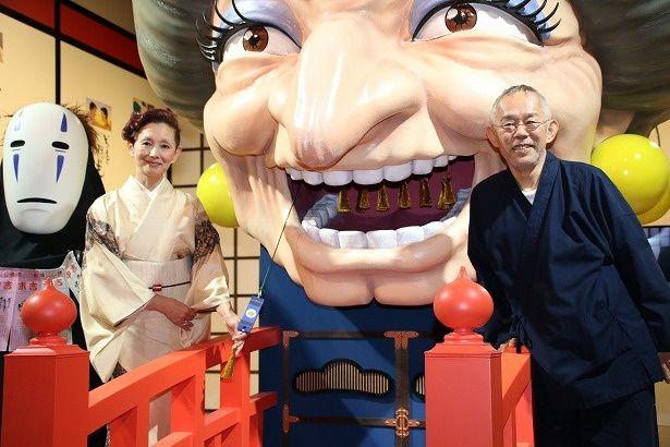 「鈴木敏夫とジブリ展」の内覧会に登壇した鈴木敏夫プロデューサーと夏木マリ