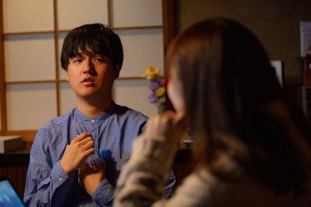 1996年生まれ、東京都出身の奥山大史監督。本作では監督・撮影・脚本・編集を務める