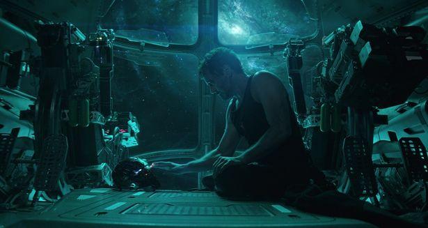 サノスに敗北したトニー/アイアンマンはどうやって地球へ帰る?