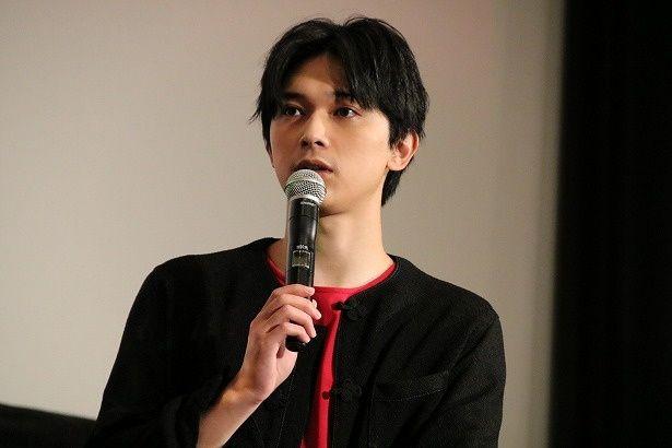 中華統一を目指す若き王、嬴政役の吉沢亮