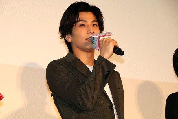 岩田剛典が『町田くんの世界』の舞台挨拶で、AKIRAの結婚を祝福