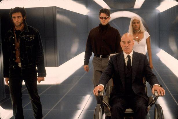 プロフェッサーX率いるミュータントチームの活躍を描いた『X-MEN』