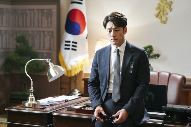 人気ドラマの韓国版リメイク「サバイバー: 60日間の大統領」