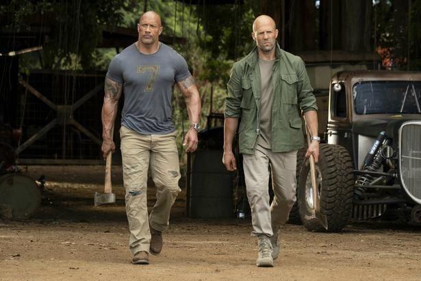 【写真を見る】ロック様とステイサムが最強コンビ結成!規格外のアクションで世界を救う!?
