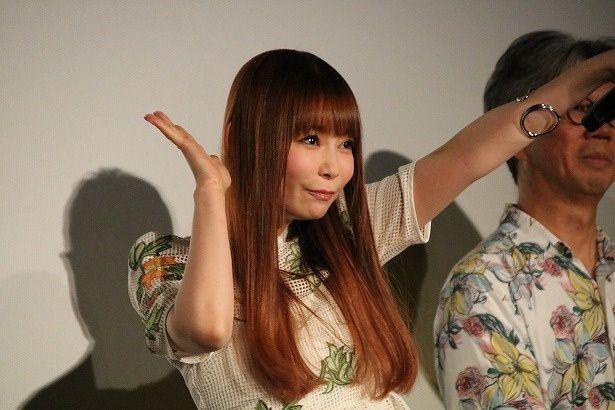 主題歌を歌った中川翔子