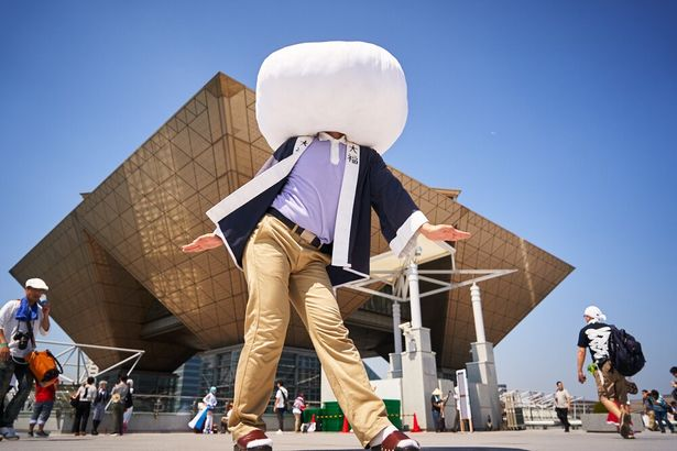 「日常」の大福の中之条マスコットキャラクターに扮した、大福くん(@daihukunakanojo)
