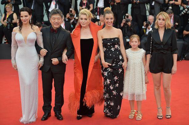 【写真を見る】日本初の快挙!オープニングを飾った『真実』のヴェネチア国際映画祭の様子<写真16点>