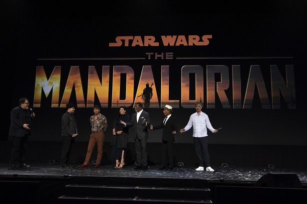 『The Mandalorian(原題)』は、『マイティ・ソー バトルロイヤル』(17)のタイカ・ワイティティが監督と声の出演を務める