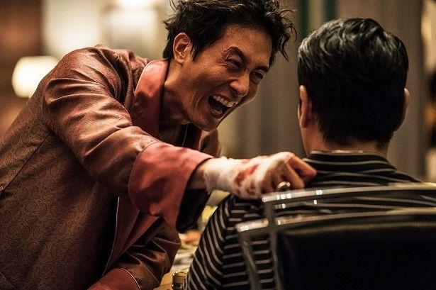 【写真を見る】本作が遺作となった名優キム・ジュヒョクの狂気あふれる演技は必見!