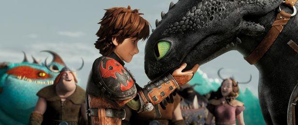 """弱虫なバイキングの少年ヒックと傷ついたドラゴン""""トゥース""""の絆を描き、全世界が熱狂!"""