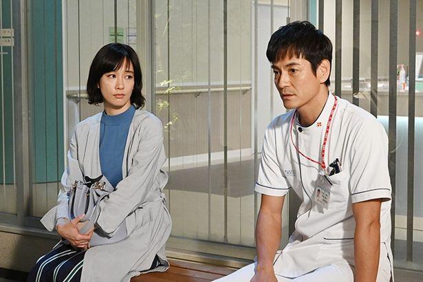 【写真を見る】夏美と看護師長の本城(沢村一樹)の恋の行方にもヤキモキさせられた