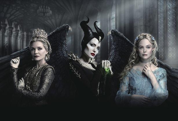 凛々しいマレフィセントに美しいオーロラ姫、新キャラのイングリス王妃は怪しい雰囲気…
