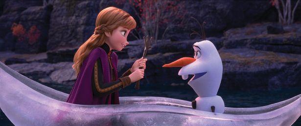 「イントゥ・ジ・アンノウン~心のままに」など劇中曲も大人気!(『アナと雪の女王2』)