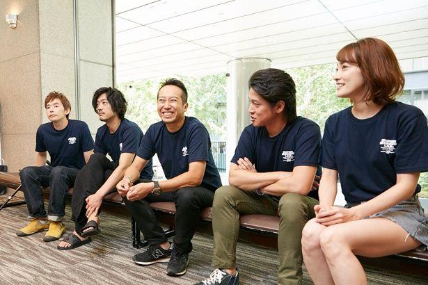 終始、5人の笑いの絶えないインタビューに