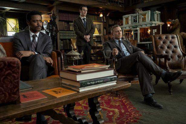 """【写真を見る】007のダニエル・クレイグが""""紳士探偵""""に!予測不能のサスペンスを目撃せよ"""