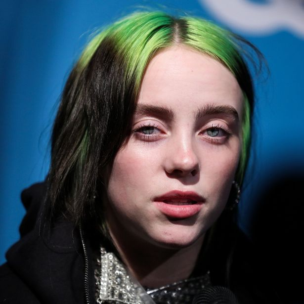 ネオングリーンもビリーを象徴する髪色の1つ