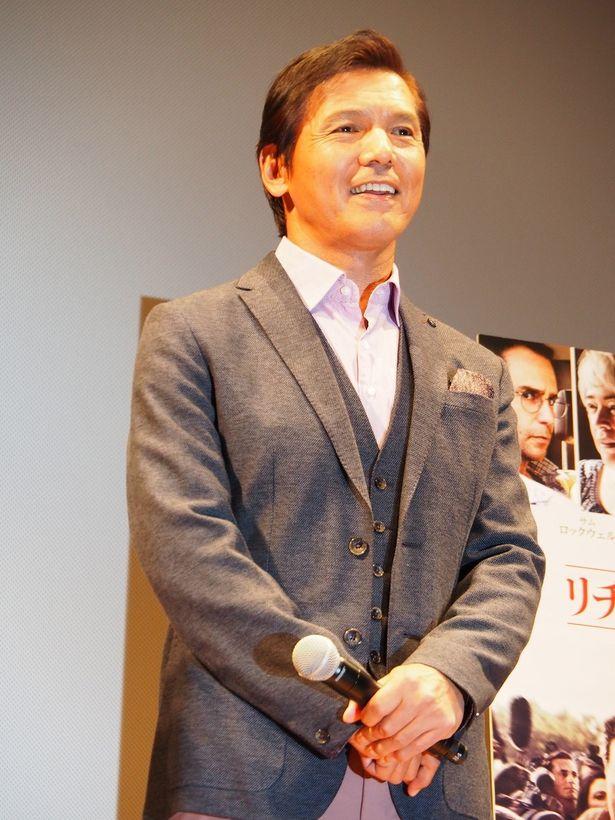 【写真を見る】テレビリポーターの阿部祐二、デーブ・スペクターらが報道について熱く討論!