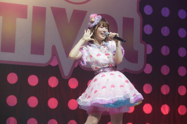 内田真礼が本人役で『ヲタクに恋は難しい』に出演!書き下ろしのオリジナル曲も披露!