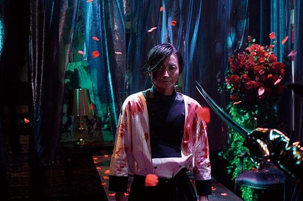 【写真を見る】藤原竜也演じるダイナーのシェフ、ボンベロ