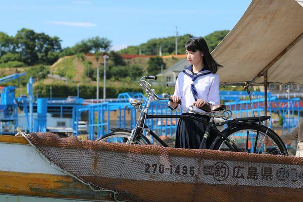 【写真を見る】大林宣彦監督が一目で出演を決めた、現役女子高生の新人女優とは?