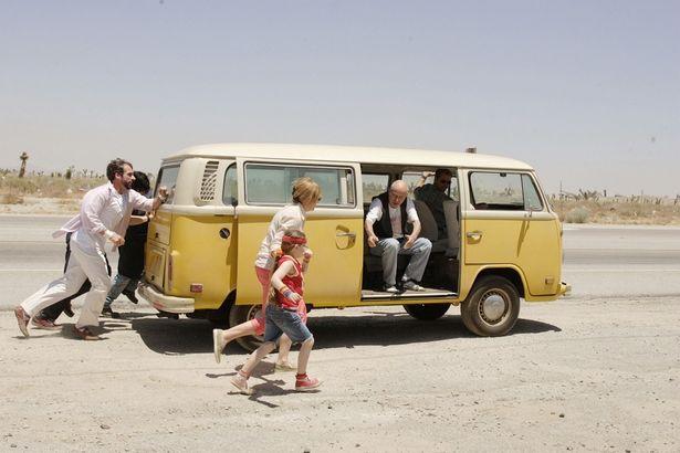 ギクシャクした家族のトラブル続きの旅路を描く『リトル・ミス・サンシャイン』