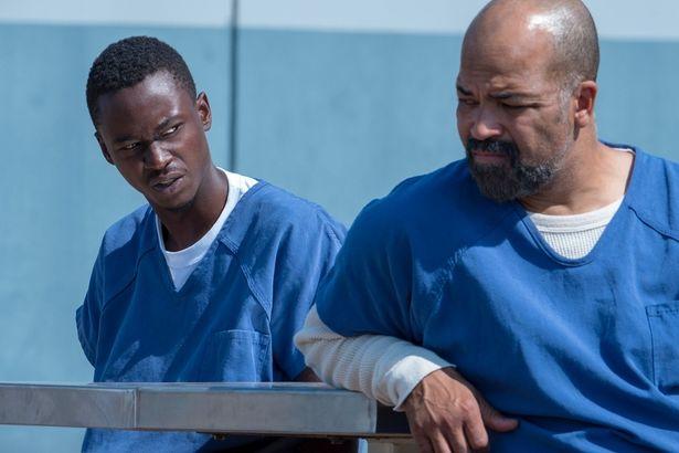 終身刑で収監された青年が、そこで父親と再会するというまさかの物語が展開する『オールデイ・アンド・ア・ナイト: 終身刑となった僕』