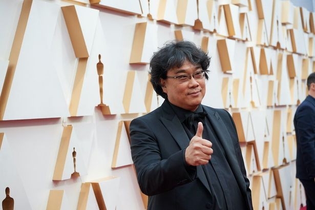 第92回アカデミー賞を制した『パラサイト 半地下の家族』(19)のポン・ジュノ監督