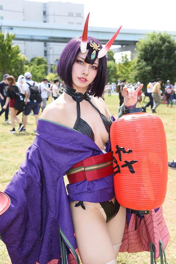 「Fate/Grand Order」の酒呑童子に扮する るたぴさん