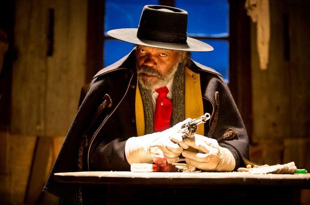 サミュエル・L・ジャクソン演じる主人公の賞金稼ぎ(『ヘイトフル・エイト』)