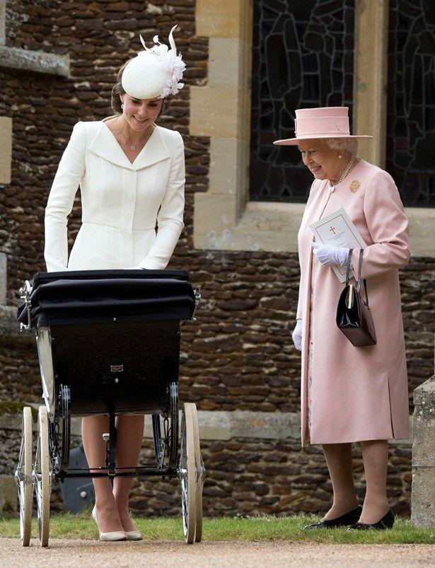 キャサリン妃の引きこもり生活にエリザベス女王が待ったをかけた?