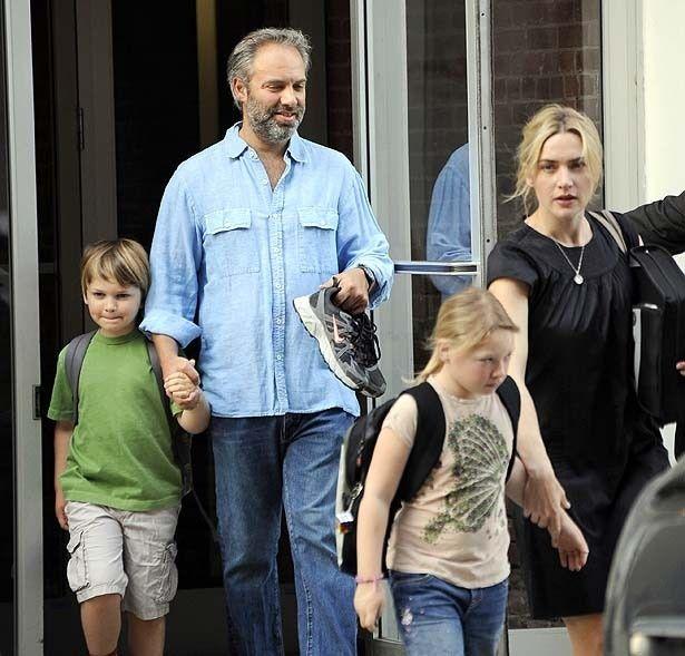【写真を見る】元夫サム・メンデス監督との間には息子もいる