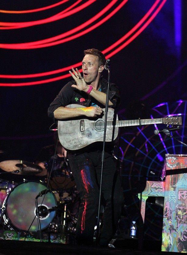 「僕たちのアルバムに参加する人々は、僕たちの人生で重要な役割を果たしている人々」と語ったクリス