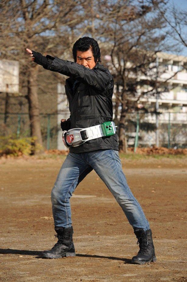 長年にわたり世界で戦いを続け、今回ある目的のため日本へ戻ってきた本郷猛を藤岡弘、が演じる!
