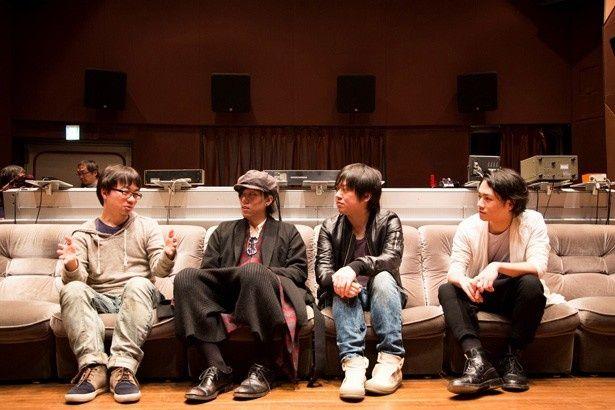 新海誠監督(写真左)とRADWIMPS