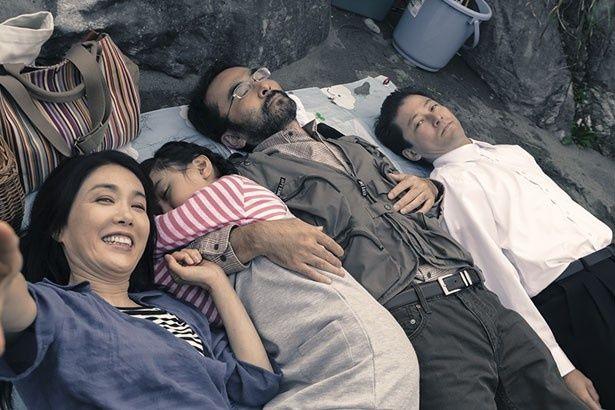 【写真を見る】2年連続で主演作がカンヌ国際映画祭に出品されることになった浅野忠信