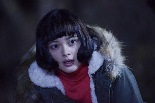 玉城ティナは伽耶子のターゲットとなる女子高生・鈴花を熱演(『貞子vs伽椰子』)