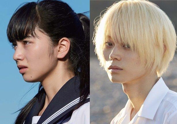 【写真を見る】『溺れるナイフ』主演の小松菜奈&菅田将暉。重岡大毅は小松を押し倒すシーンも!
