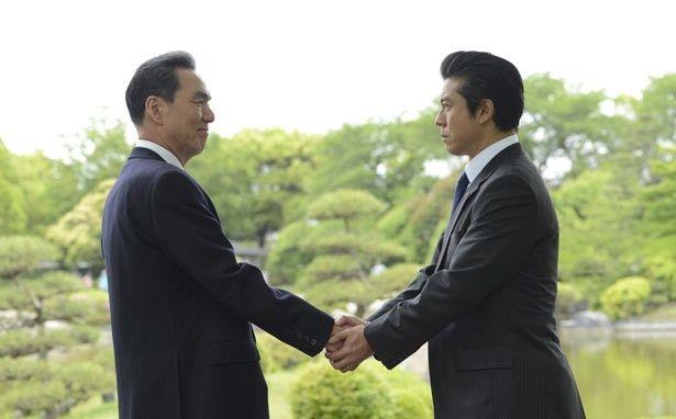 第2部では、新会長・国見正之(長塚京三)の下、恩地は国民航空の建て直しに奔走する