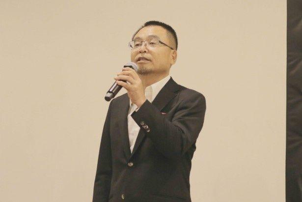 本作で上川と5度目のタッグを組んだ水谷俊之監督
