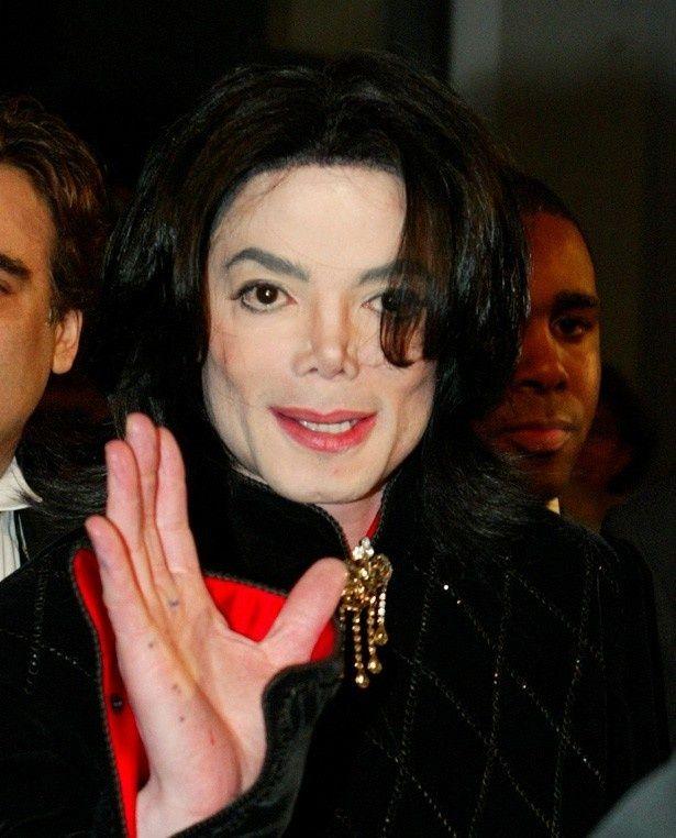 ジャクソン 肌 病気 マイケル マイケル・ジャクソンも悩んだ、皮膚が白くなってしまう難病…治療に光明