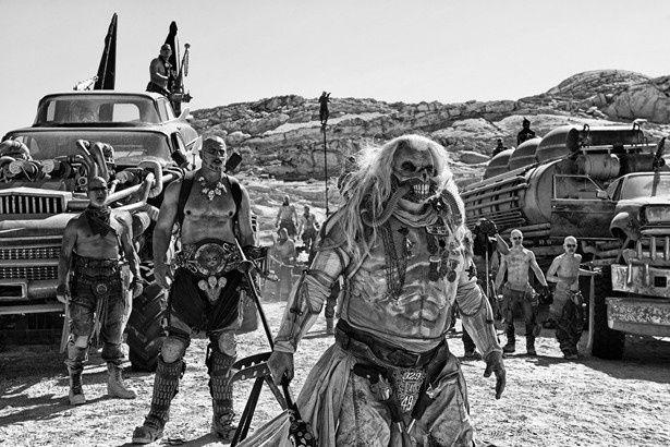 『マッドマックス 怒りのデス・ロード ブラック&クロームエディション』は現在公開中