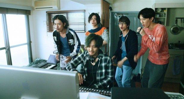 【写真を見る】松坂桃李や菅田将暉といった人気俳優が勢ぞろい!『キセキ −あの日のソビト−』