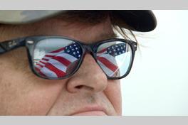 マイケル・ムーアの世界侵略のススメの画像